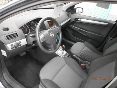 Opel Astra - 1.6 Enjoy  Benzine, Automaat, Hatchback, Grijs